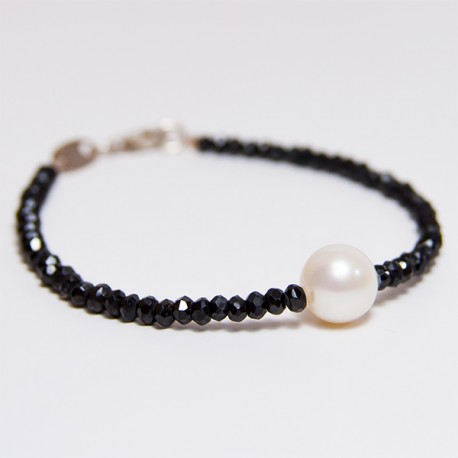Freshwater pearl and spinel bracelet