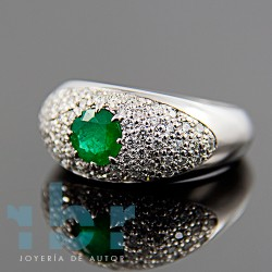 Ring white gold with emerald