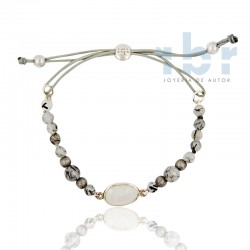 Bracelet moonstone center and spherical tourmalinated quartz