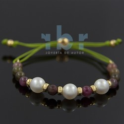 Spherical tourmaline bracelet with freshwater pearl
