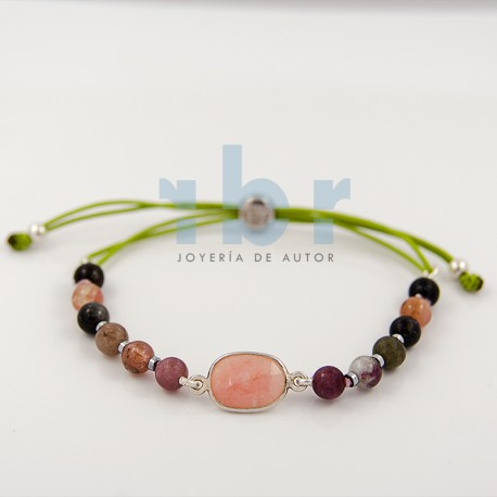 Bracelet with center of pink quartz (flat size), with spherical tourmaline and hematite on discs