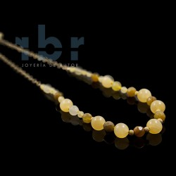 Choker with yellow spherical jade and opal honey spherical